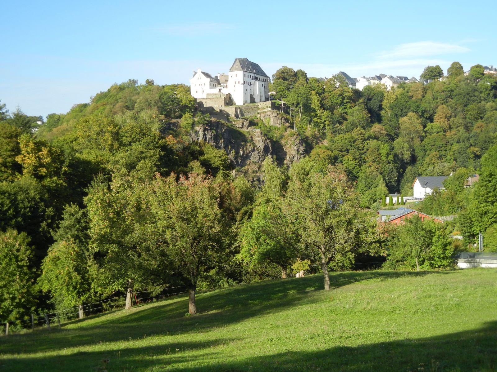 Blick zum Schloss Wolkenstein bei der Anfahrt