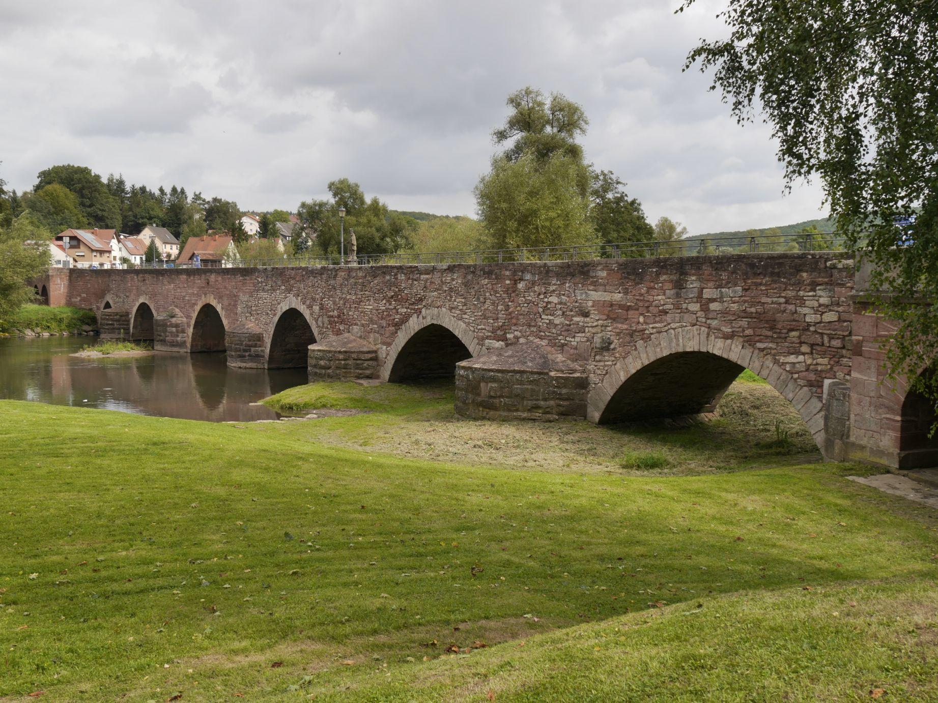 alte Saalebrücke in Euerdorf