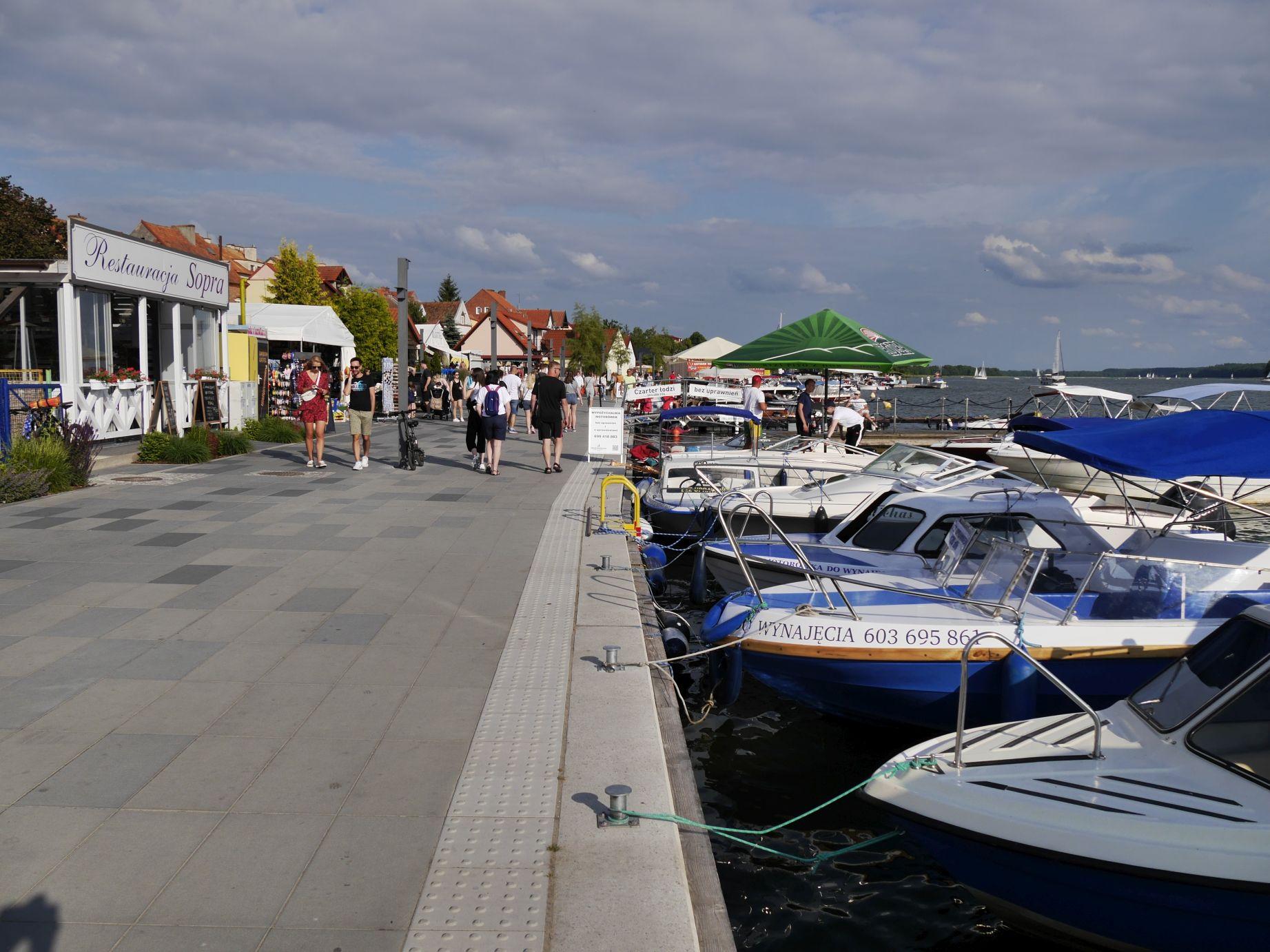 Uferpromenade in Nikolaiken (Mikołajki)