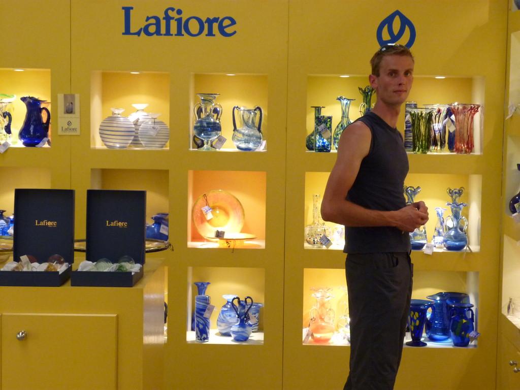 das mallorquinische Kunsthandwerk ist berühmt für seine Glaskunst, hier bei Lafiore kann den Glasbläsern über die Schulter geschaut werden und natürlich auch kräftig gekauft