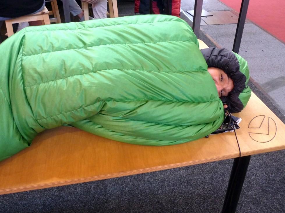 und Platz zum drehen und auf der Seite schlafen ermöglicht er auch