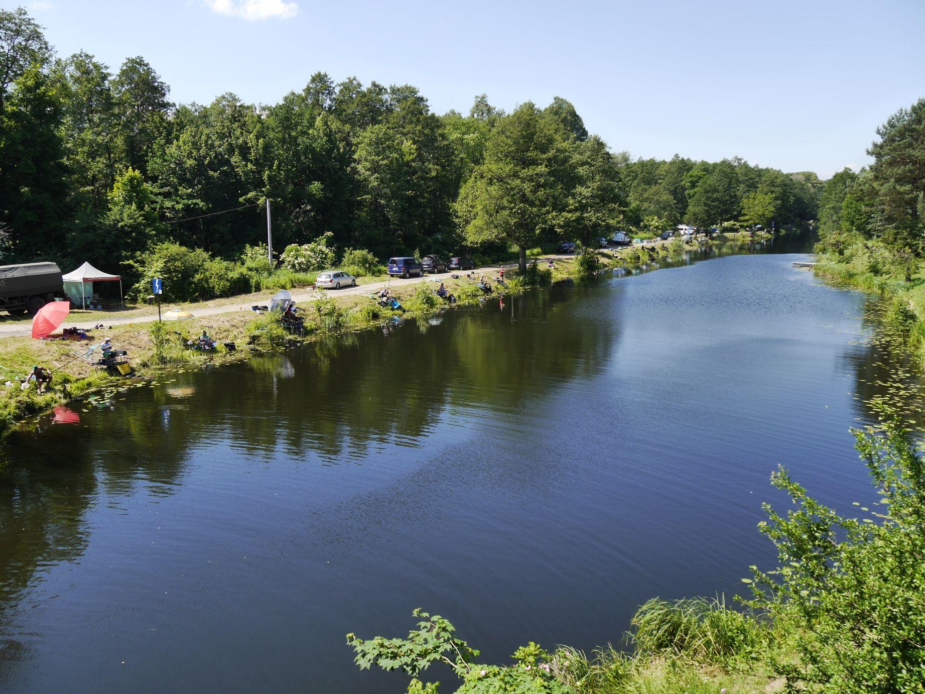 Die masurischen Seen sind über Kanäle miteinander verbunden