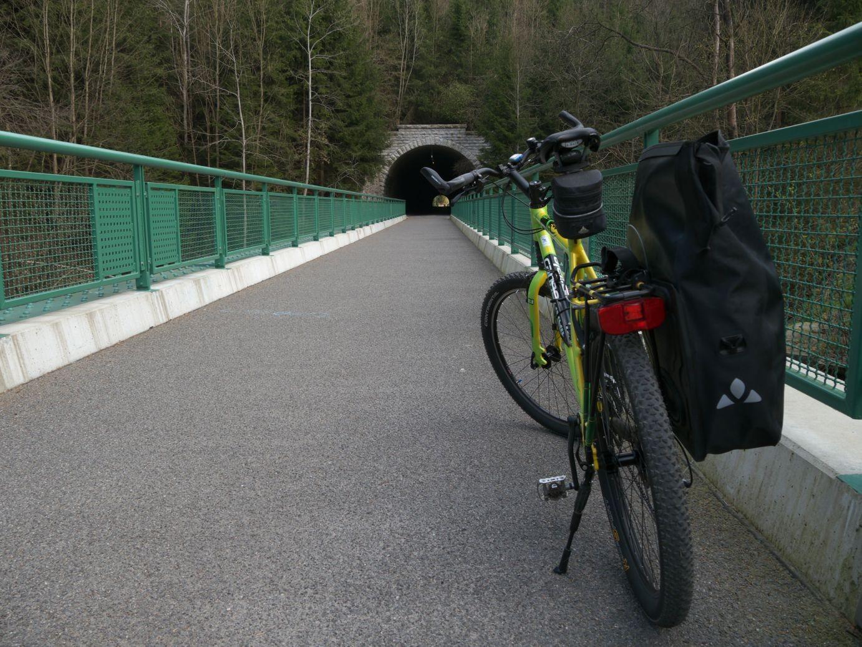 einfach genial, ein Tunnel nur für Radfahrer