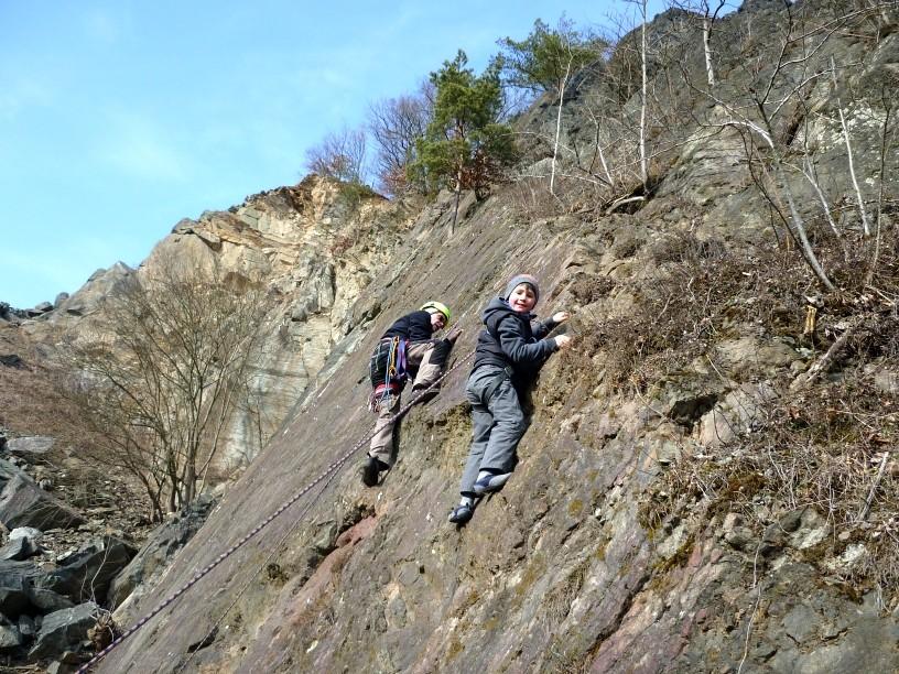 Anklettern als Saisonbeginn im Klettergebiet Steinicht