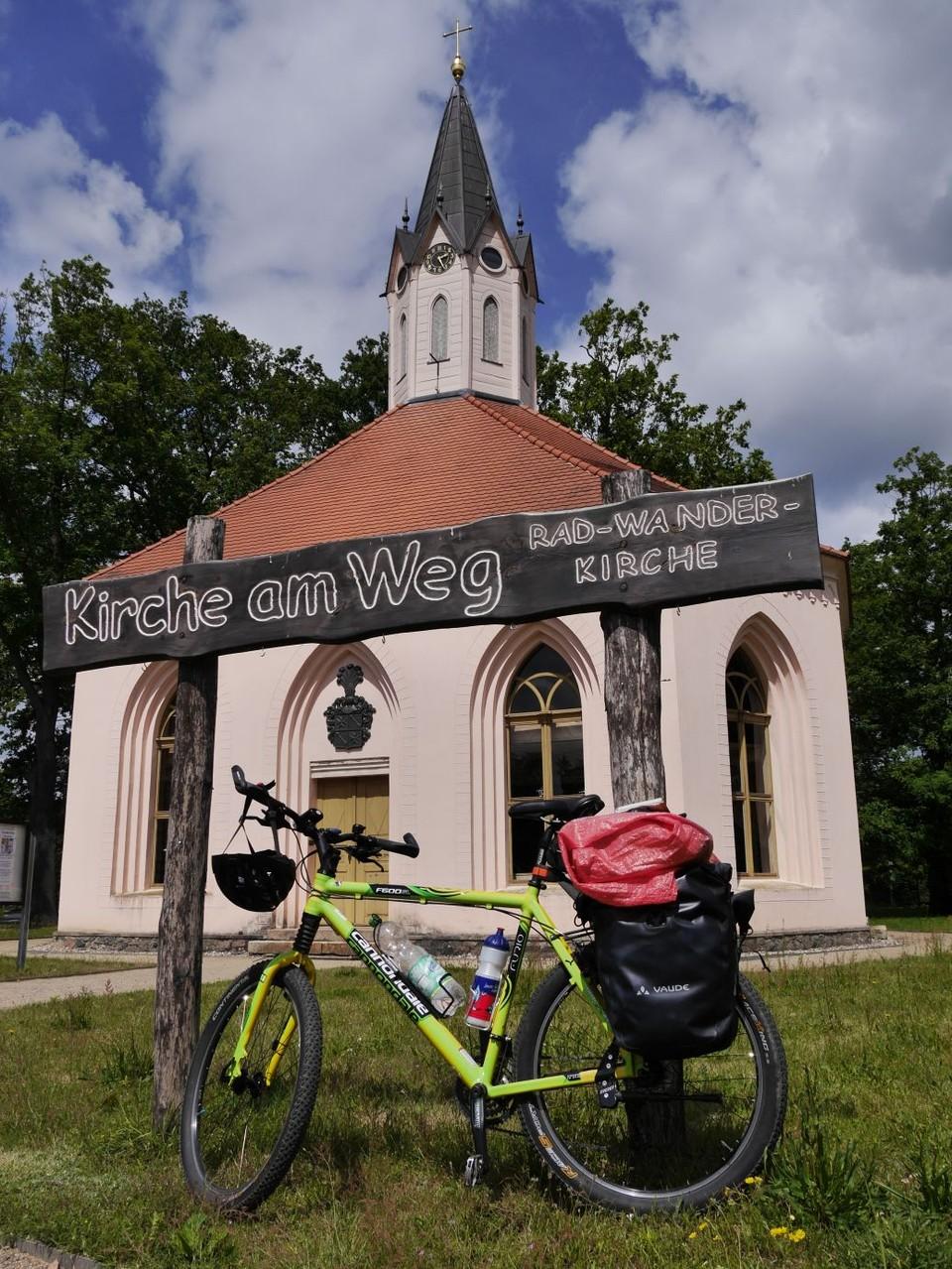 Kirche am Weg in Dannenwalde