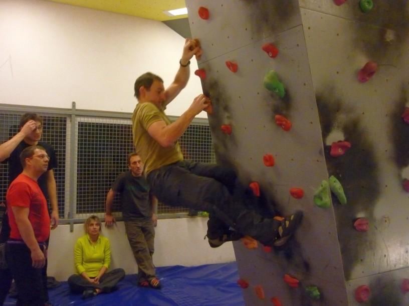 Mittwochstraining mit großer Beteiligung im Boulderboden 16.01.2013