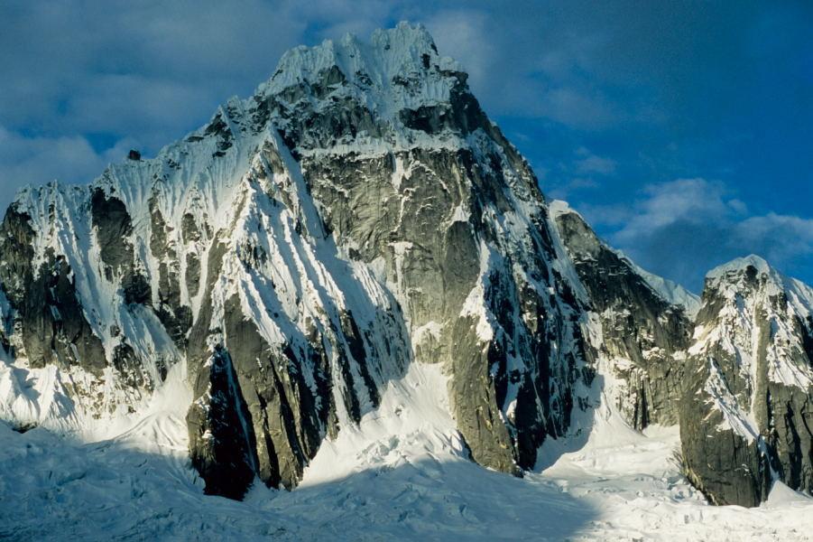 Nevado Taulliraju (5830m)