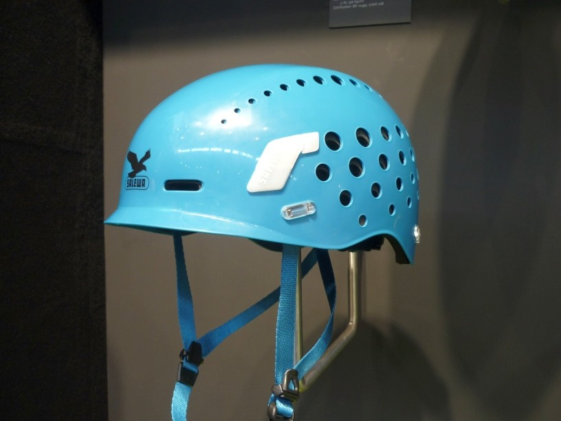 neuer Helm von Salewa, mit weicher Außenschale