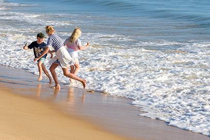 Spiel mit den Wellen, Garrão Nascente Beach, Algarve, Portugal, Dr. Ralph Oehlmann, Oehlmann-Photography