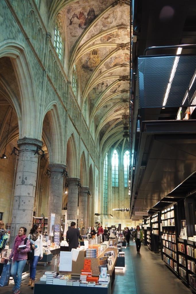 Meine Favoriten - Buchhandlung in der Kirche