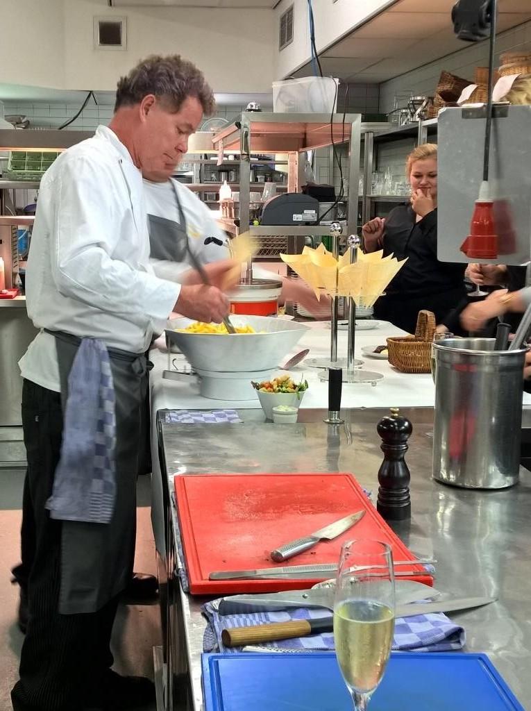Remy Mooren in seiner Küche