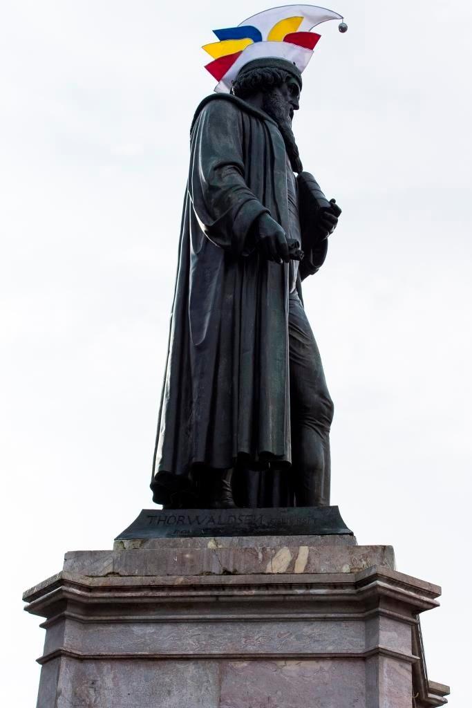 Johannes Gutenberg mitten im närrischen Treiben.