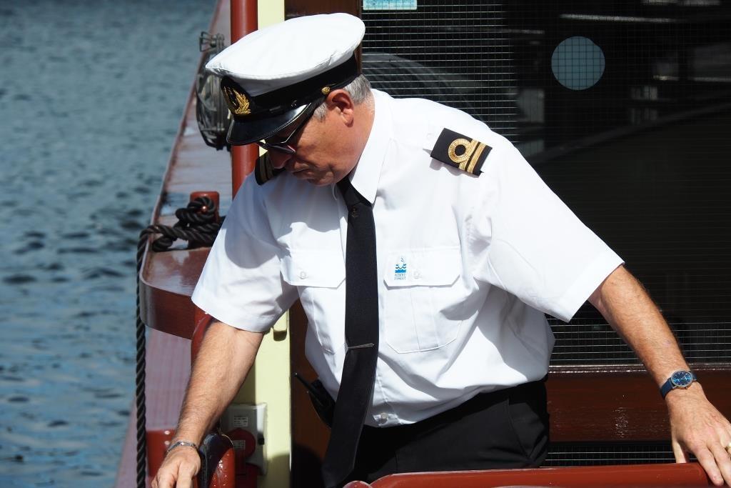 Die MS Maasvallei macht am Bootsanleger fest.