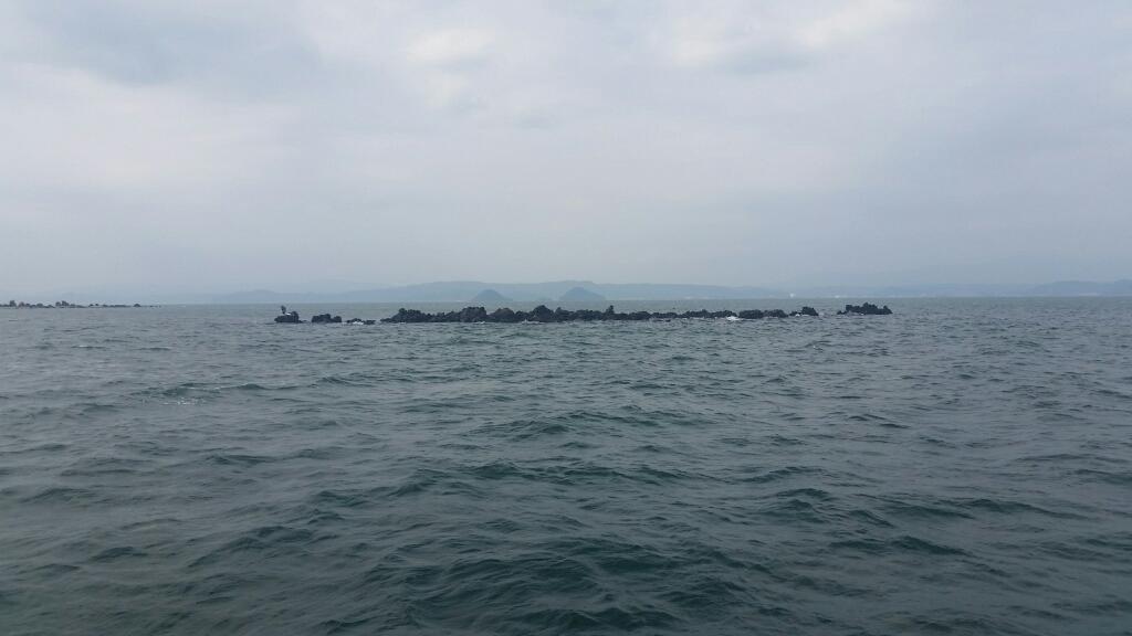 桜島周辺の軍艦島  (写真をタップすると瀬の案内を表示します)
