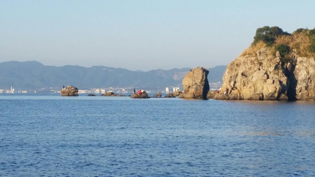沖小島  (写真をタップすると瀬の案内を表示します)