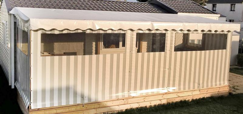 Bâche sur-mesure sur terrasse couverte