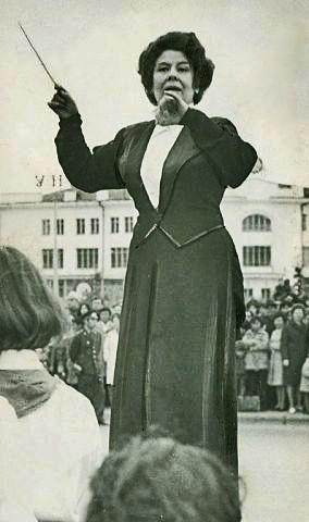 Дирижер Г.М. Кривошапко