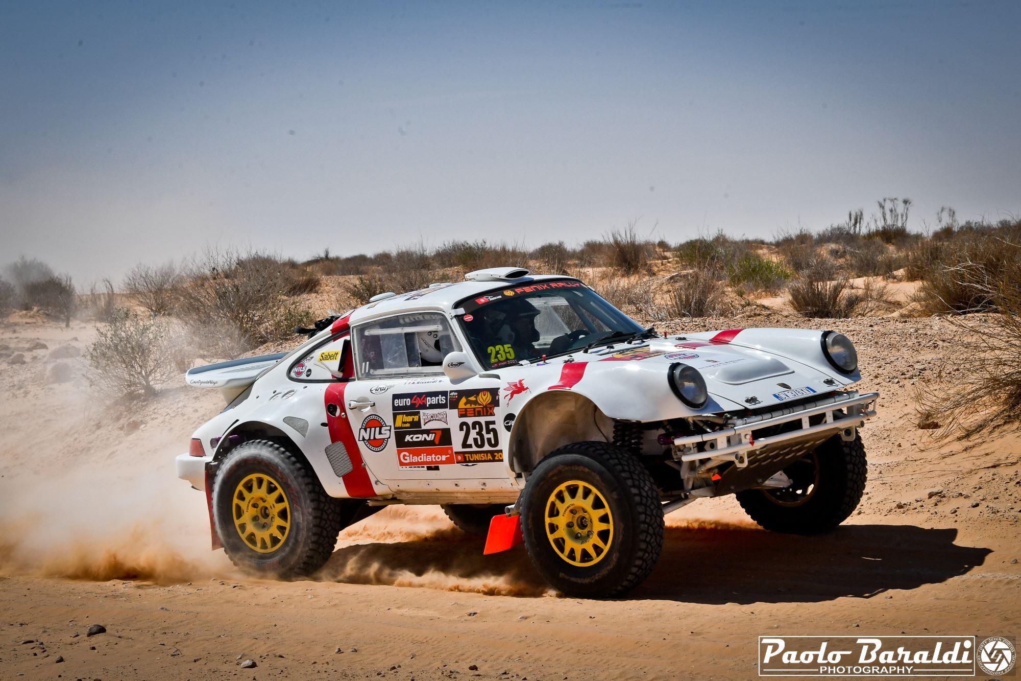 Porsche 911 4x4 Rally Raid: nostalgie dakariane al Fenix Rally