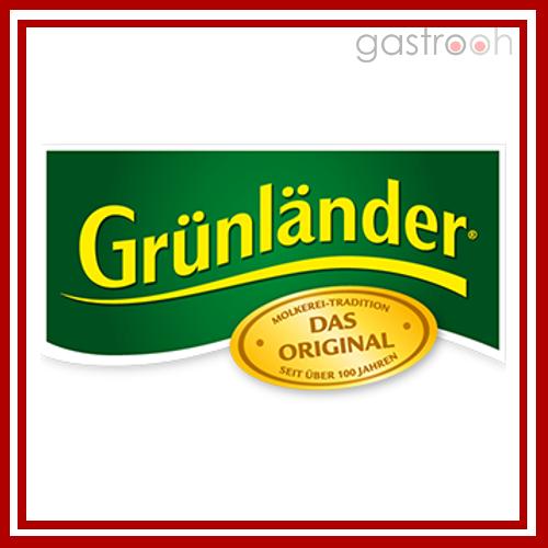 Grünländer- Auch ein Käsespezialist soll genannt werden. Genießen Sie Natur in ihren schönsten Formen: Grünländer ist als Laib an der Käsetheke und in Scheiben oder Würfeln im Kühlregal erhältlich.