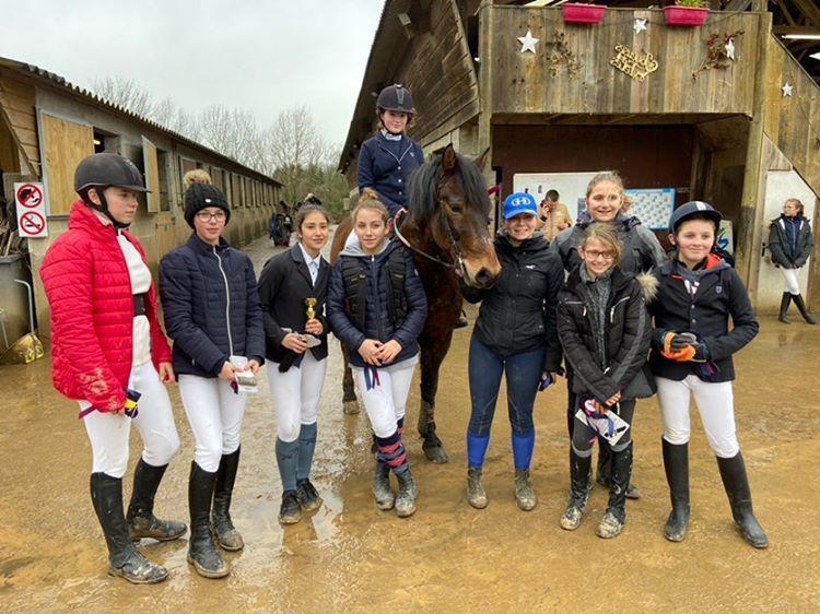 Bravo pour le parcours sans faute dans la club 3 de Clara, Emma, Gauthier, Laureline, Laure, Héloïse,  Amandine,  Juliette et Juliette ❤🐎❤
