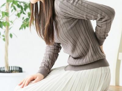 ぶり返す腰痛は、浮遊ろっ骨を整えるべし