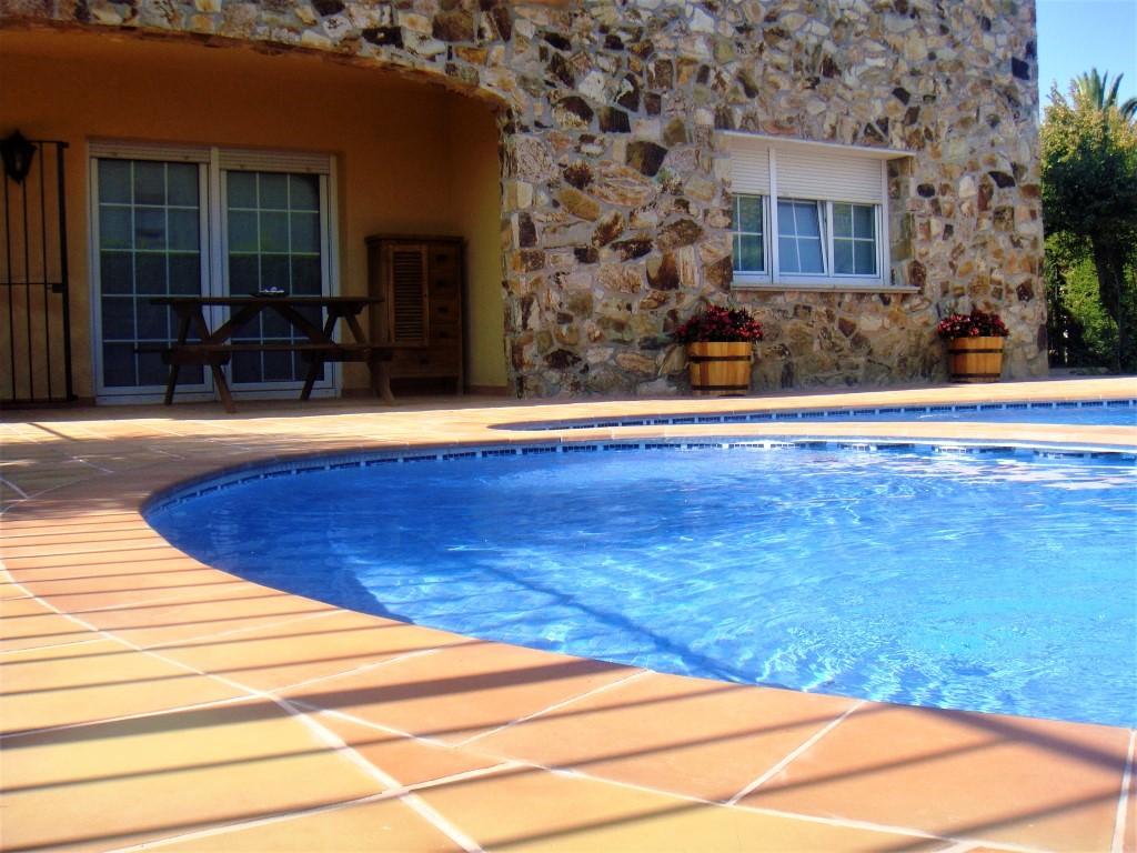 Дом в Испании, спокойная урбанизация ТорреБоска, недалеко от моря и центра города Плайя де Аро