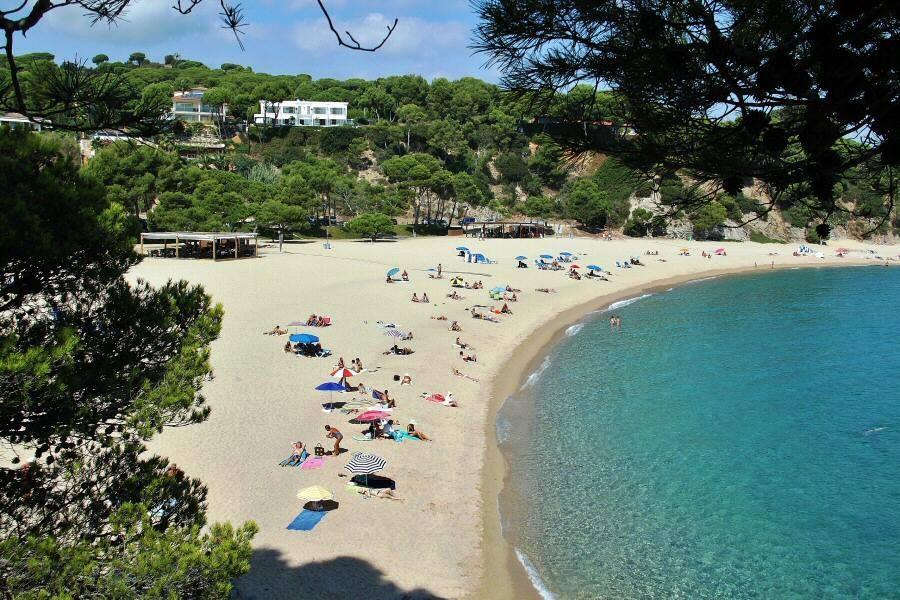 Пляж Са Конка (Sa Conca) в урбанизации Сагаро Бель, Ла Гавина