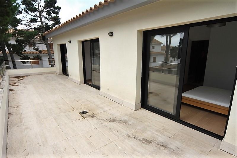 Арендовать или приобрести дом в Сагаро, Испания