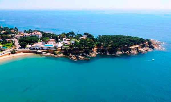 Buy luxury houses in S'Agaró Vell, La Gavina, Costa Brava