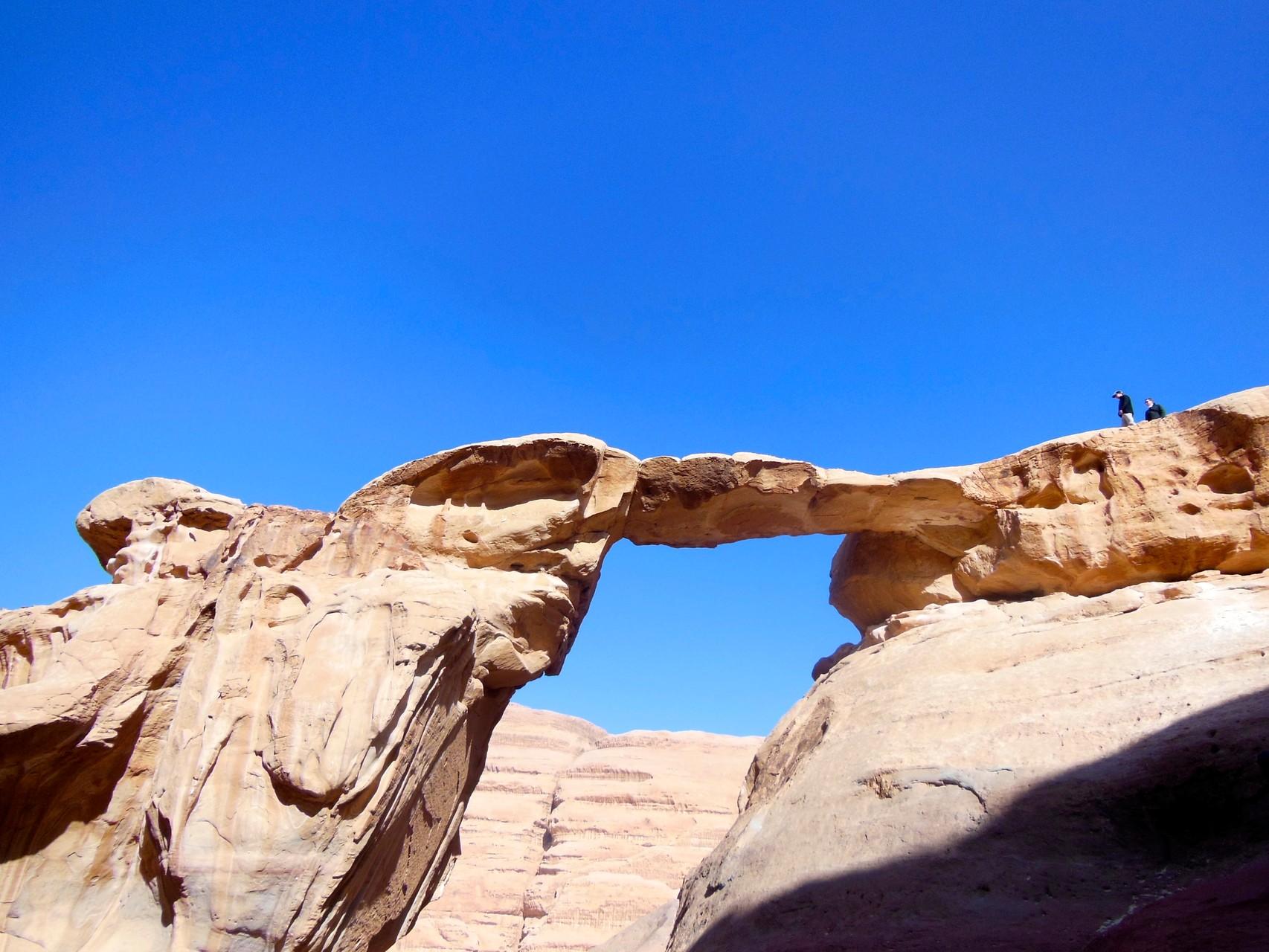 ワッデイラム 月の砂漠でキャンプ