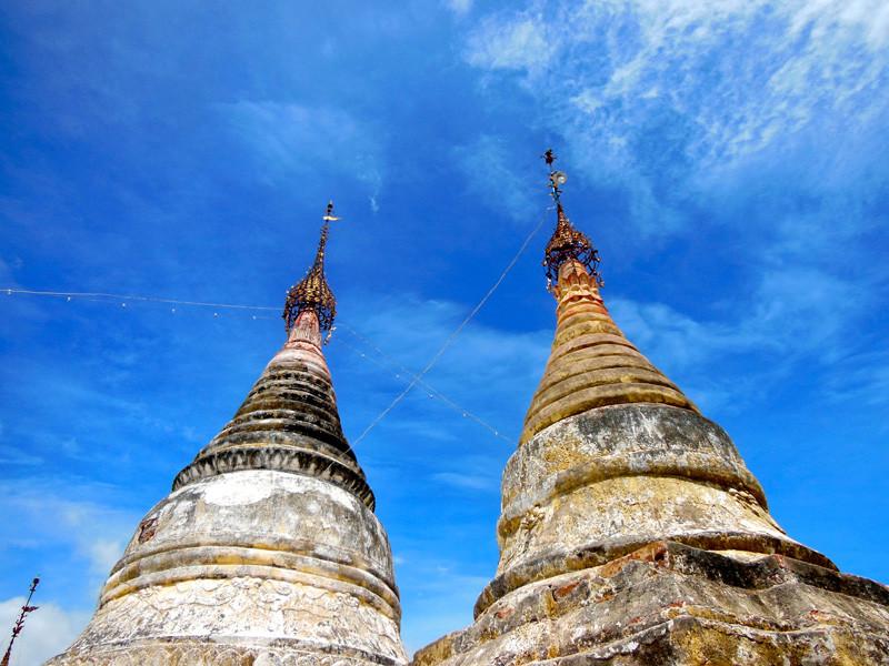 バガン仏教の聖地3000もの仏塔が果てしなくつずく