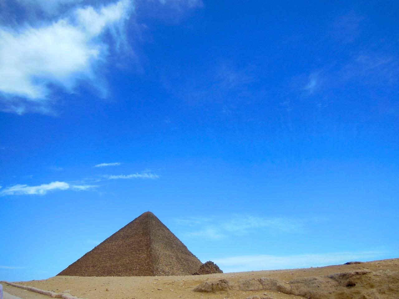 再びのピラミッド