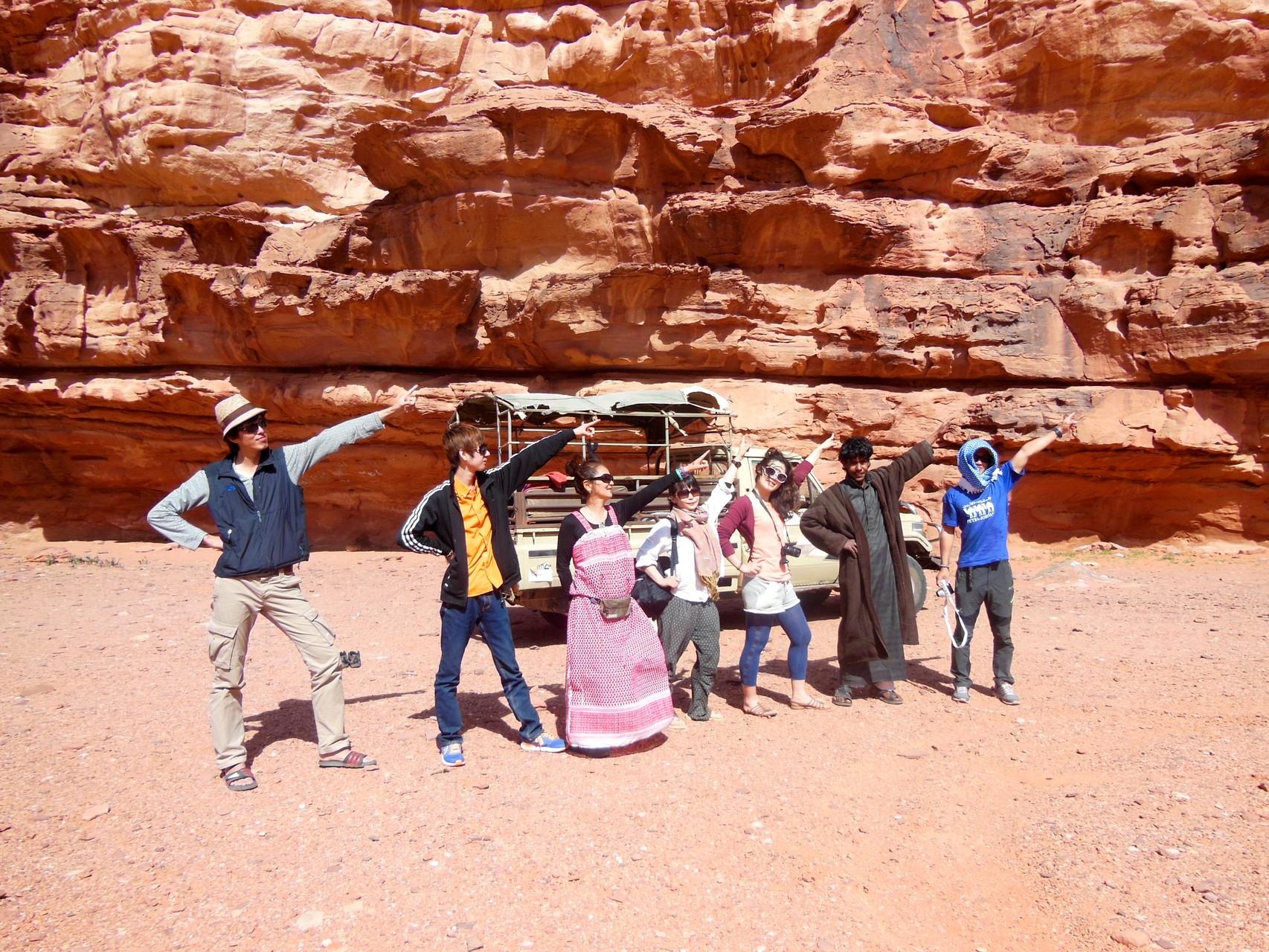 砂漠キャンプチーム