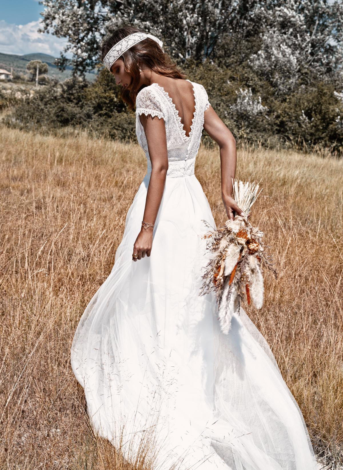 Robe de mariée bohème chic décolleté dos Tulle Fabrication française Saint Germain en Laye Yvelines