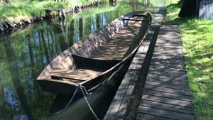 Fahrten im traditionellen Holz Spreewaldkahn- Burg