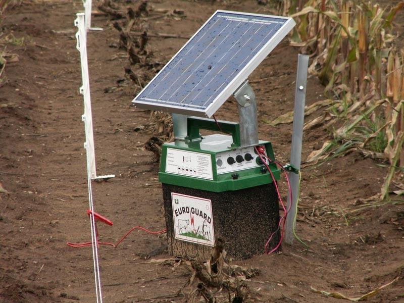 Steuereinheit mit Batterie und Solar