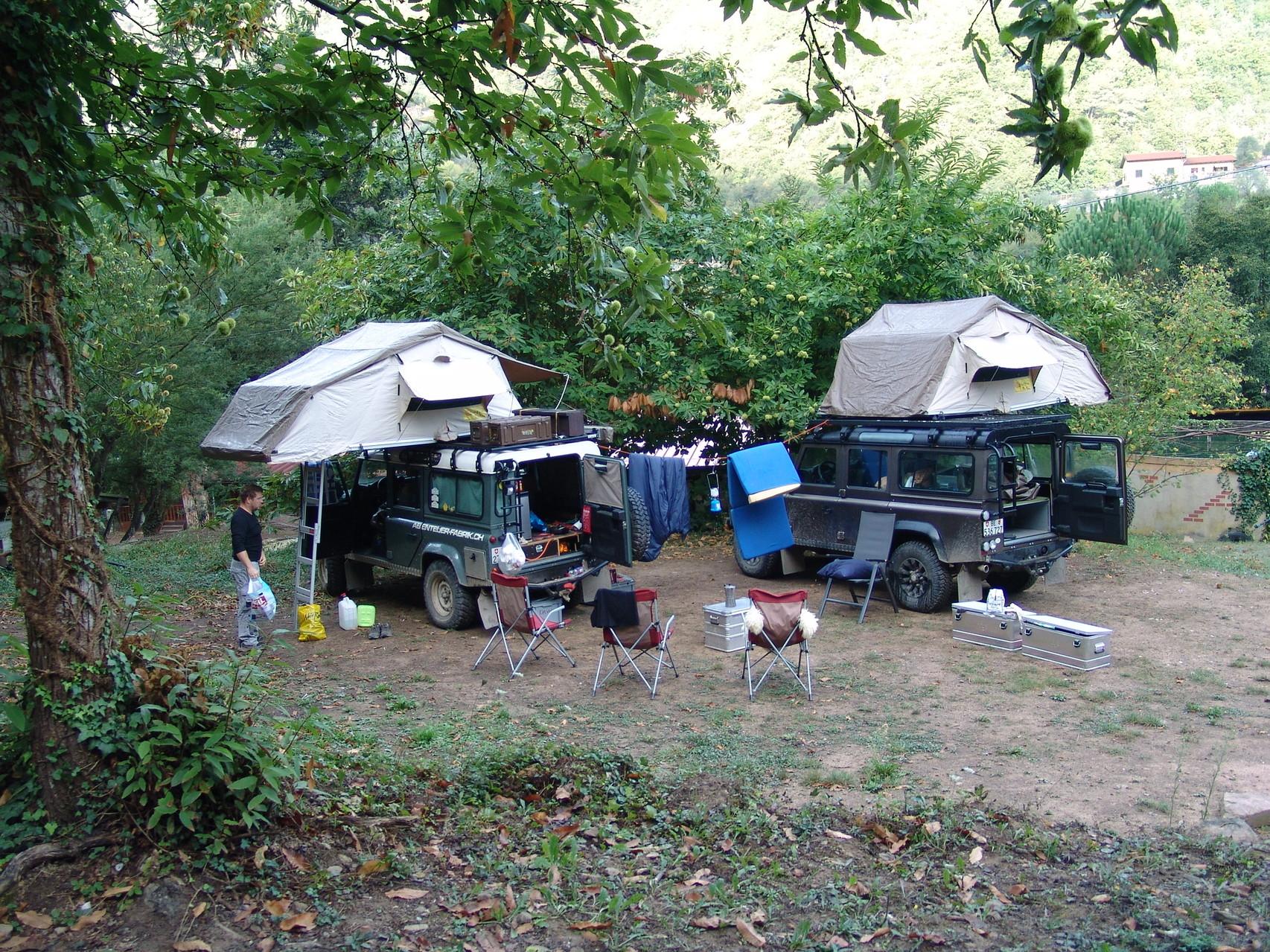 Camp unter Marronibäumen