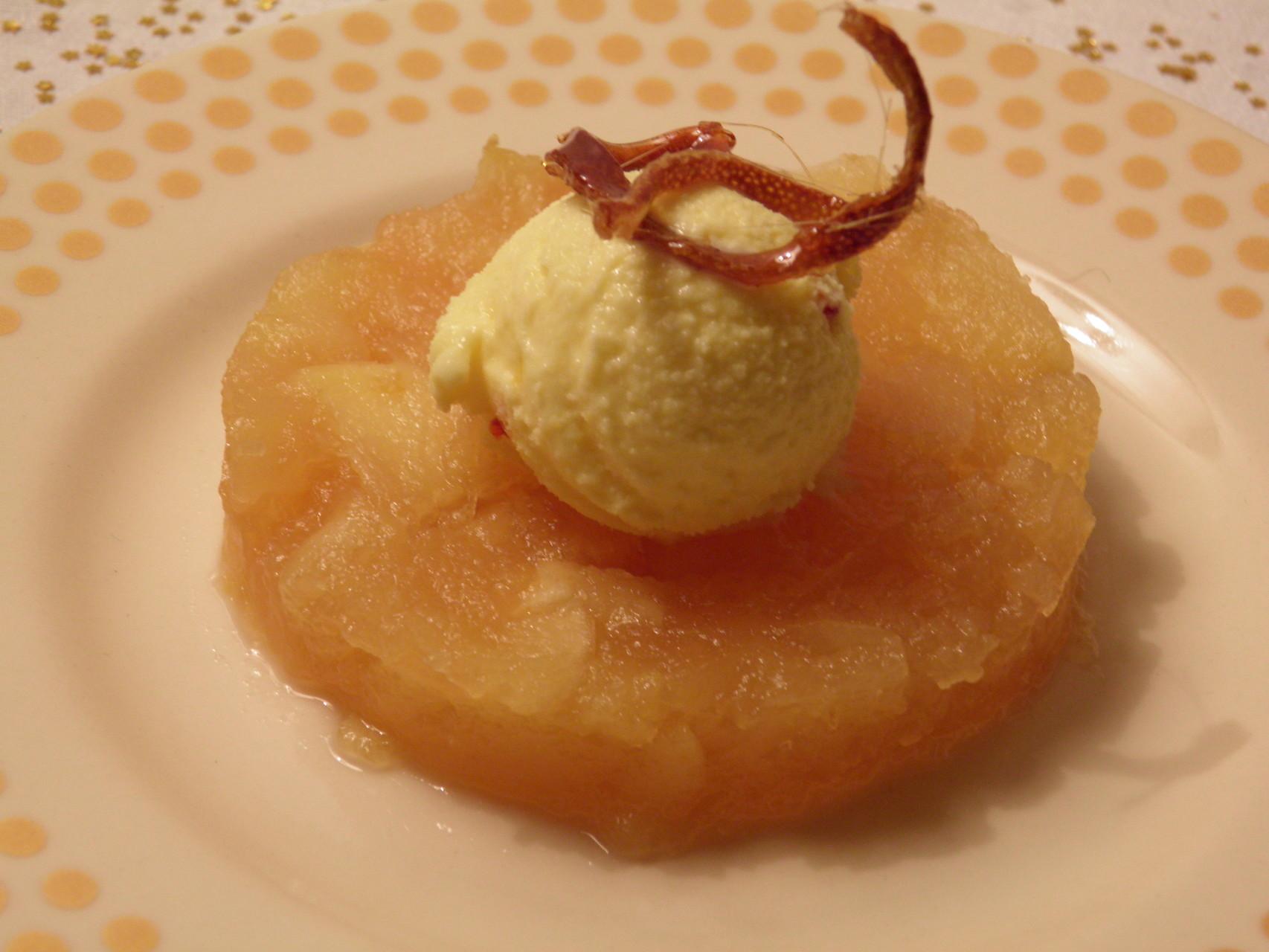 Confit de pommes au citron, Glace au safran