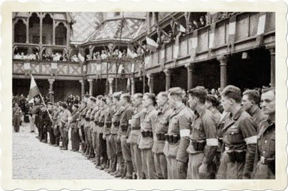 08 septembre 1944 aux hospices de Beaune , le bataillon polonais en présence du Général de Lattre