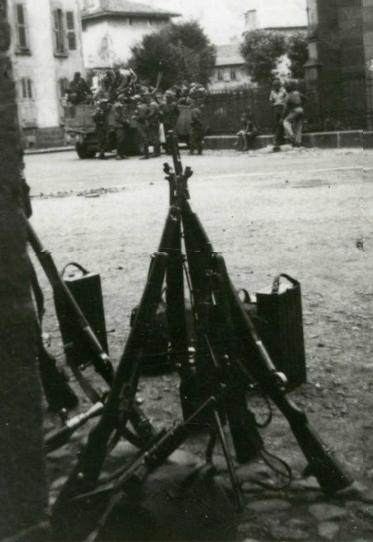Les Allemands quittent leur cantonnement à Aurillac le 10 août 1944.