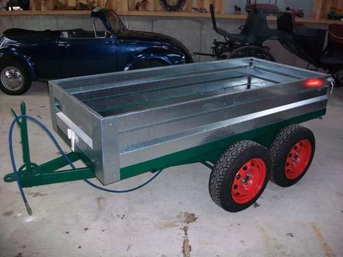 Kipper mit Hydraulik für Vorderwagenbetrieb