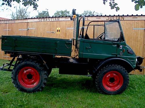 Unimog U 421 Cabrio mit landwirtschaftlicher Ausstattung und Werner Frontseilwinde