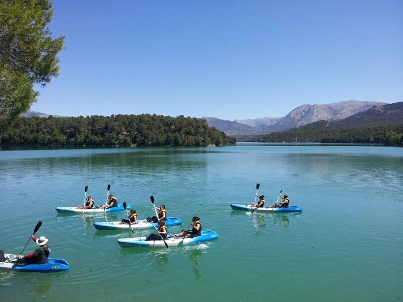 Turismo activo en el Altiplano de Granada: Piragüismo y canoa en los pantanos de la Bolera y Negratín