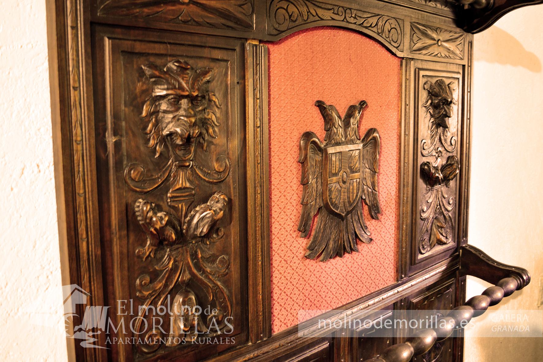 Ornamentación antigua: paragüero con historia