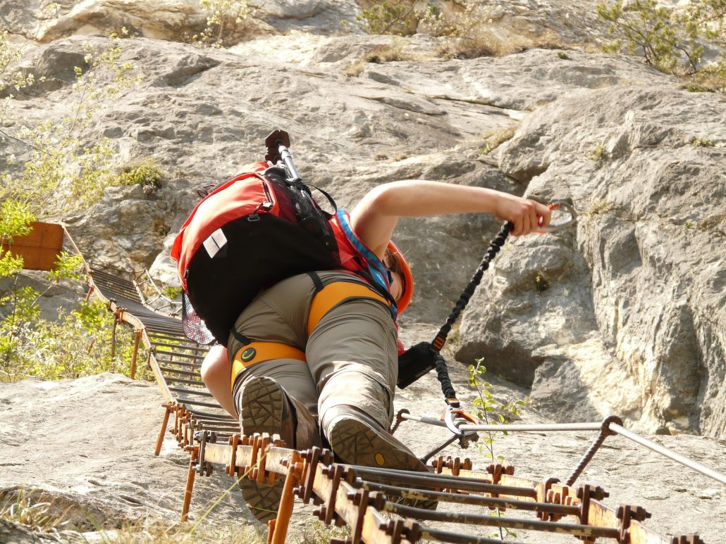 turismo activo ecoturismo altiplano granada escalada vía ferrata