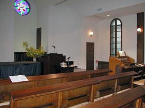 礼拝堂と講壇