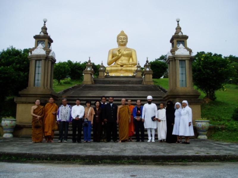 Visit Southern of Thailand regarding Thai-Muslim issue