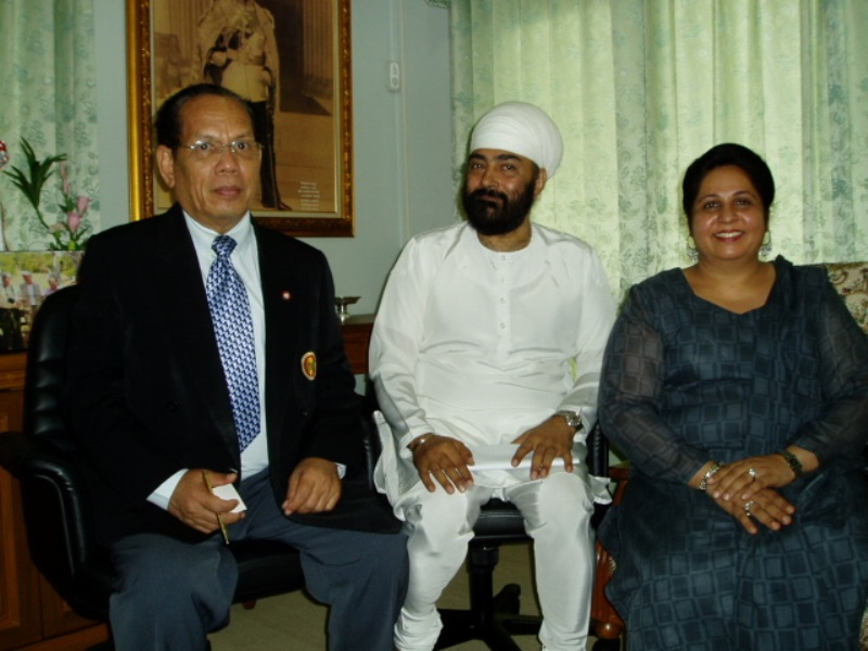 with H.E. Dr. Amnuai Suwankeree, Former Minister to the Prime Minister's Office