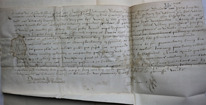 Daté du 4 juin 1567.  Nomination du CHANOINE PIERRE JAUPITRE par Mgr l'Archevêque de Bourges Jacques LEROY faisant suite à la vacance de Pierre RICAULT, à la Cure de LAVERDINE près de Baugy, dans l'Arrondissement de Bourges.
