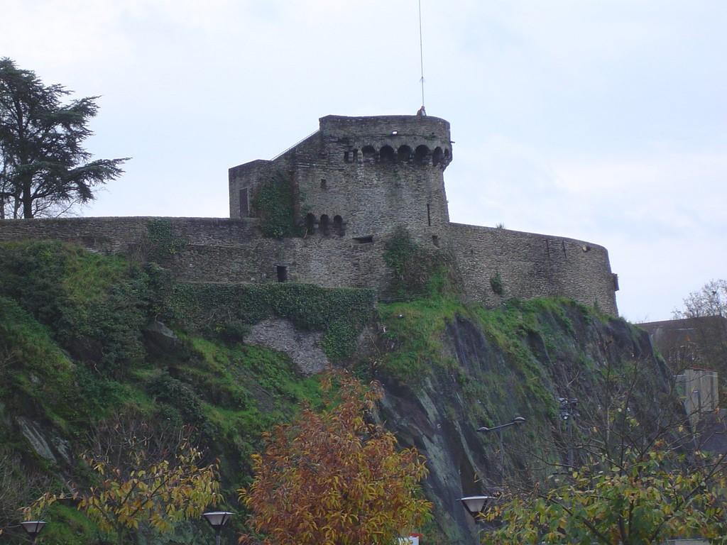 Les remparts de Saint-Lô à 25 mn